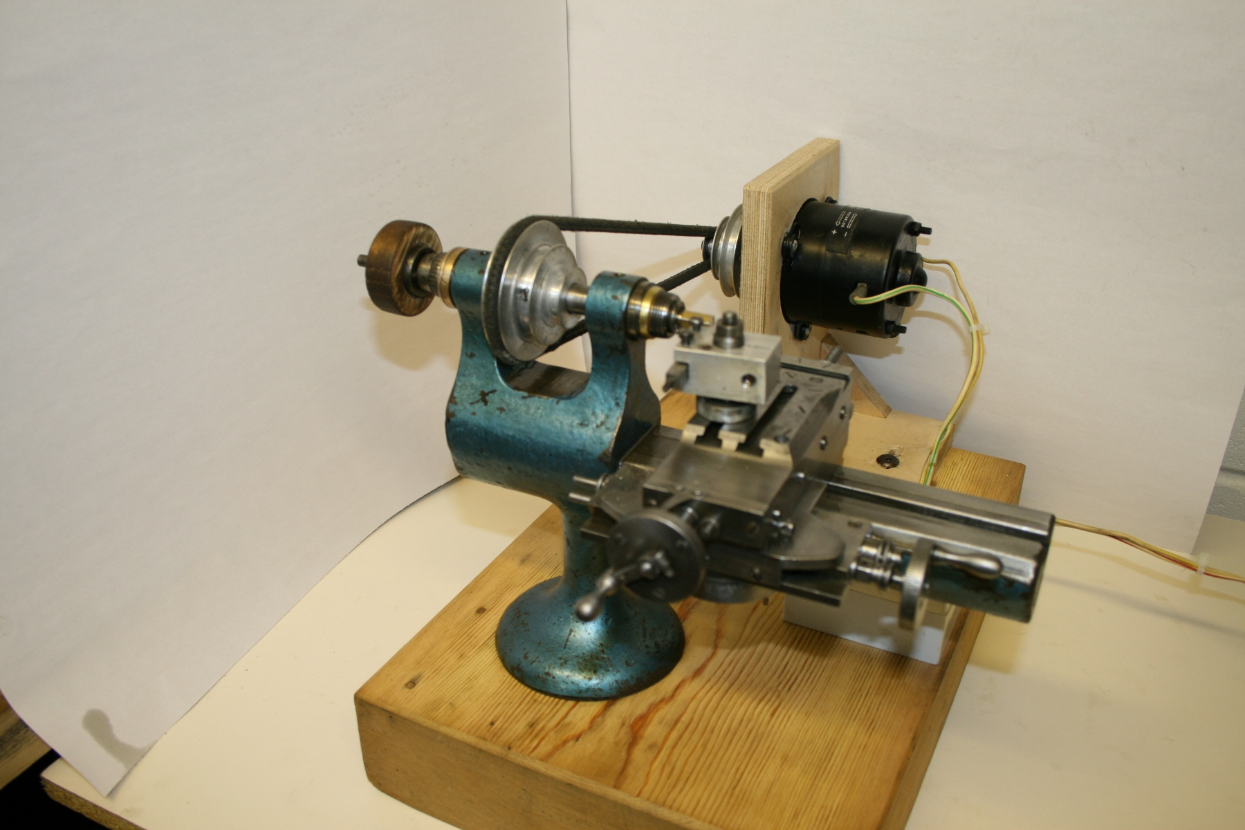 Watchmakers style lathe